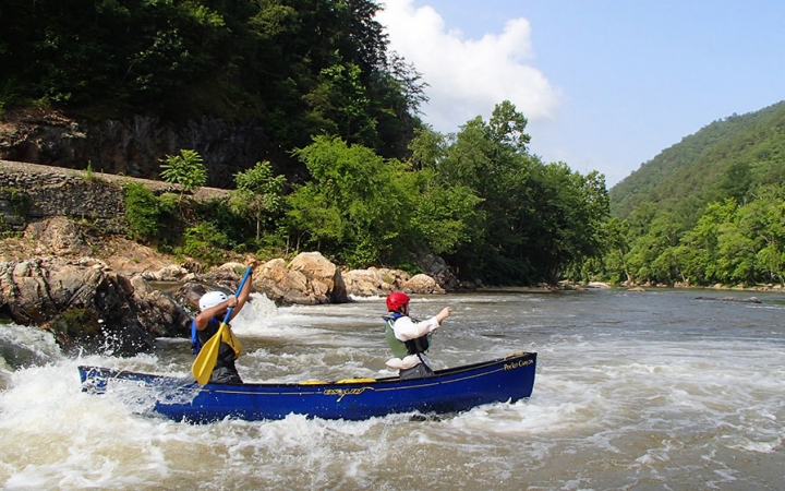 white water canoe excursions
