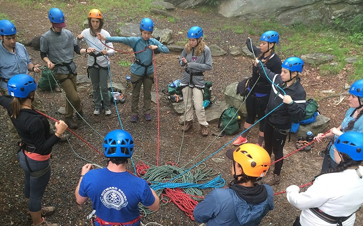 outdoor rock climbing classes