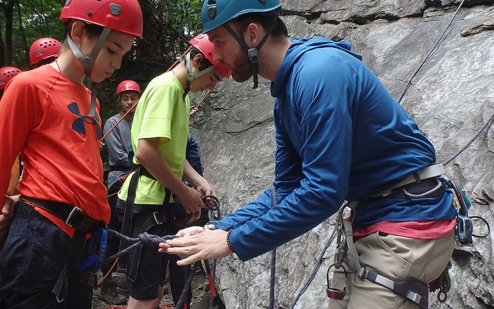 struggling youth wilderness programs