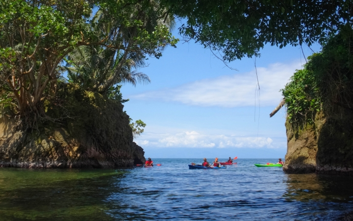 sea kayaking in costa rica