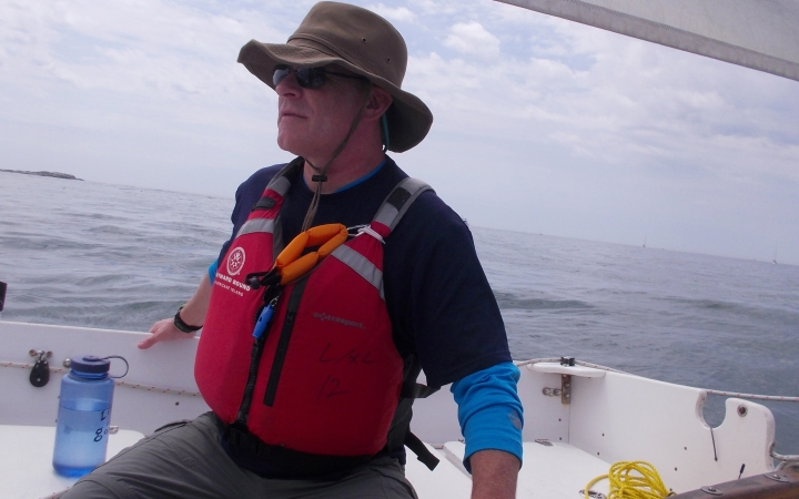 adults unplug on sailing course in maine