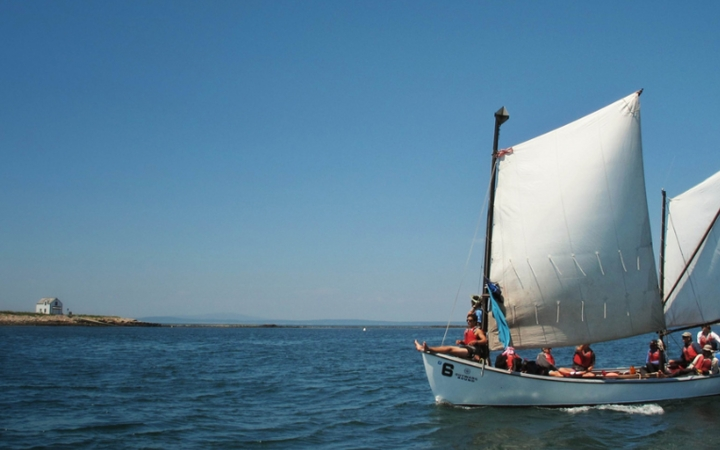 adults unplug sailing in maine