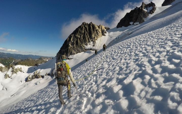 adults only mountaineering trip in pacific northwest