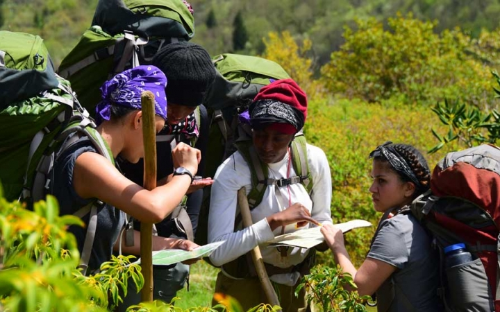 teens learn navigation skills on backpacking trip in north carolina