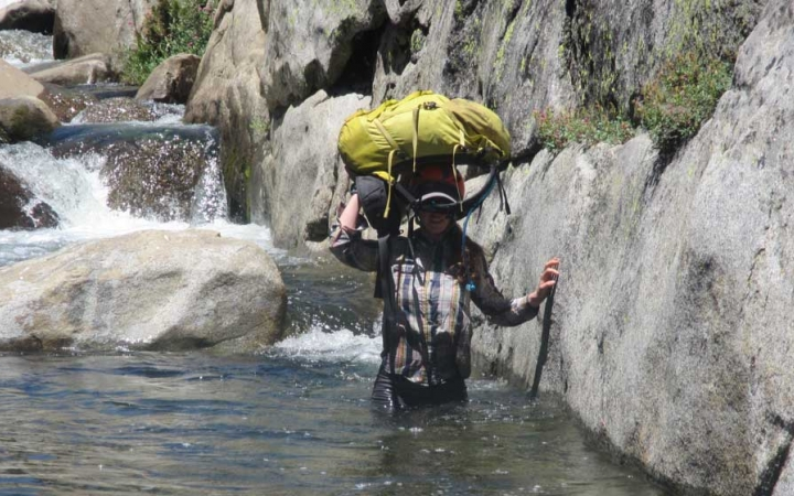 teens learn backpacking skills in california