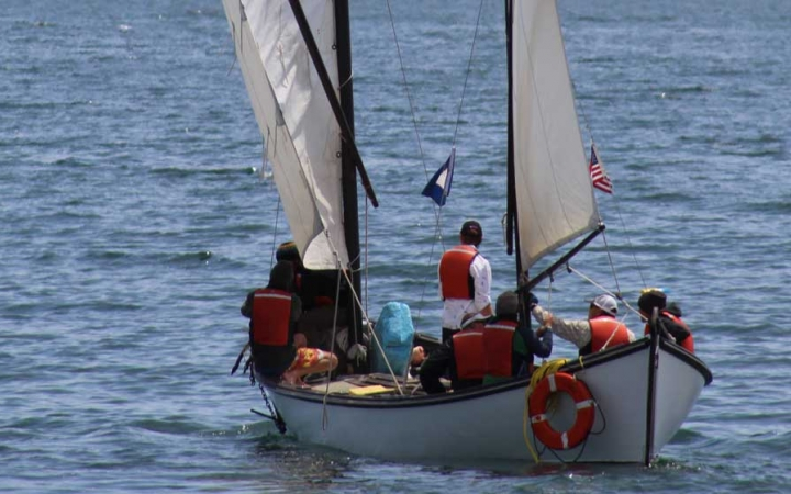 sailing camp for teens in maine