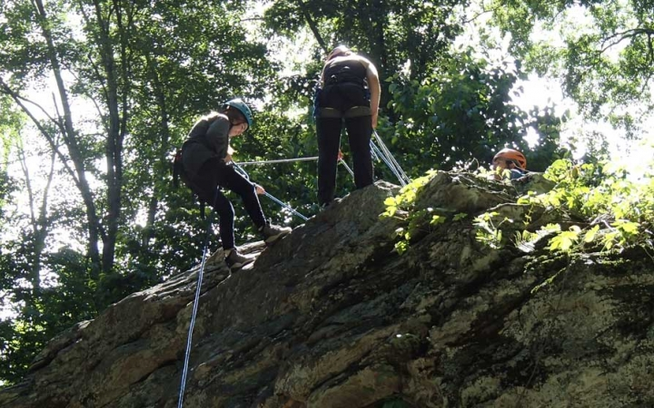 rock climbing camp for teens
