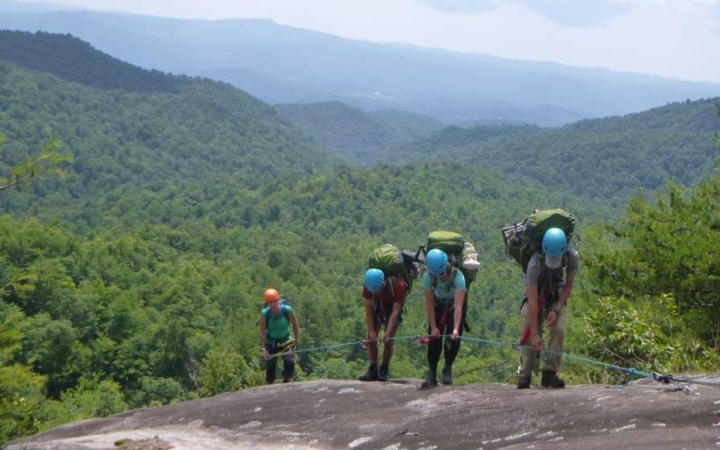 Repelling and rock climbing classes for teens