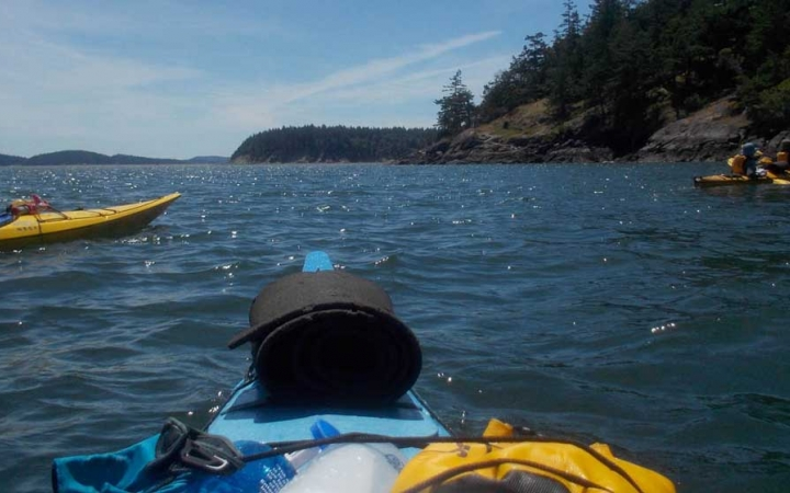 sea kayaking in the pacific northwest