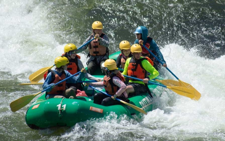teens learning to raft